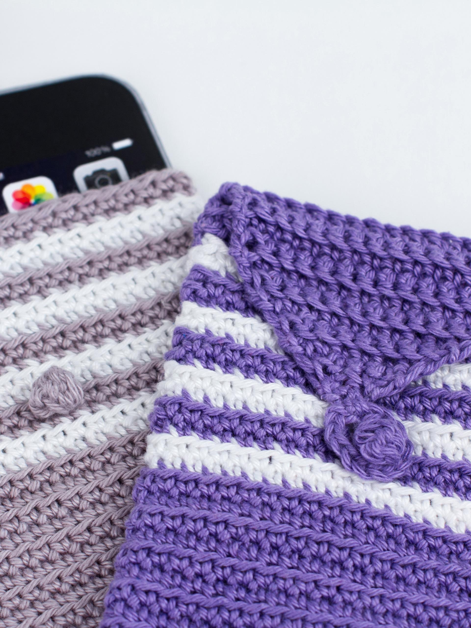 gehäkelte Handyhüllen aus Cotton Quick uni Wolle von Gründl