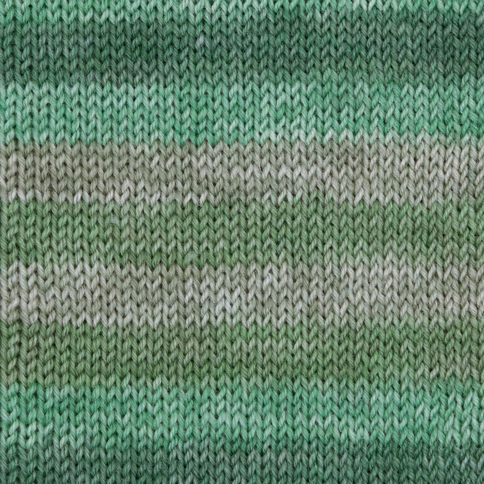 grün-moos-meliert