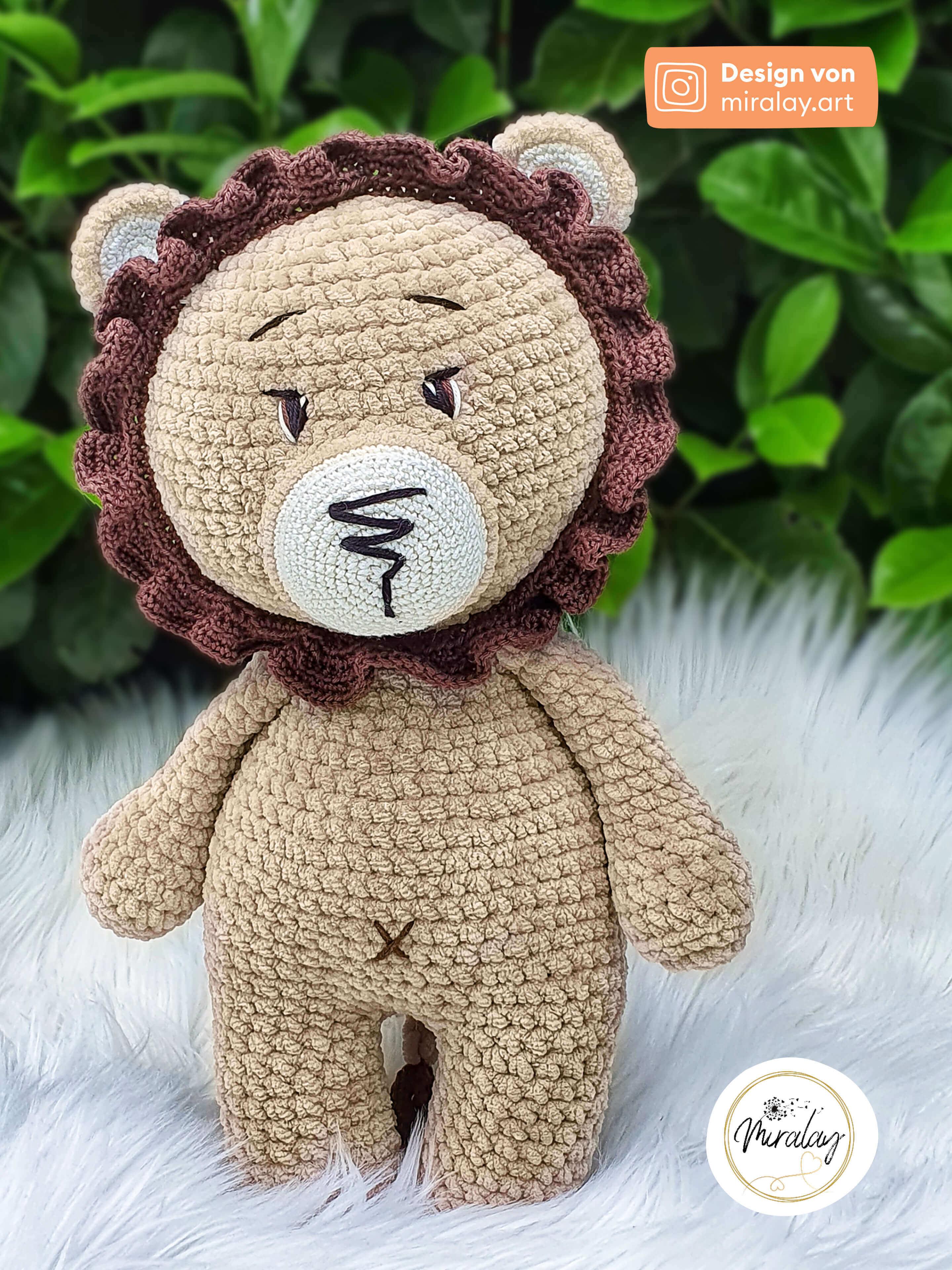 Amigurumi-Löwe Paul aus Chenillegarn