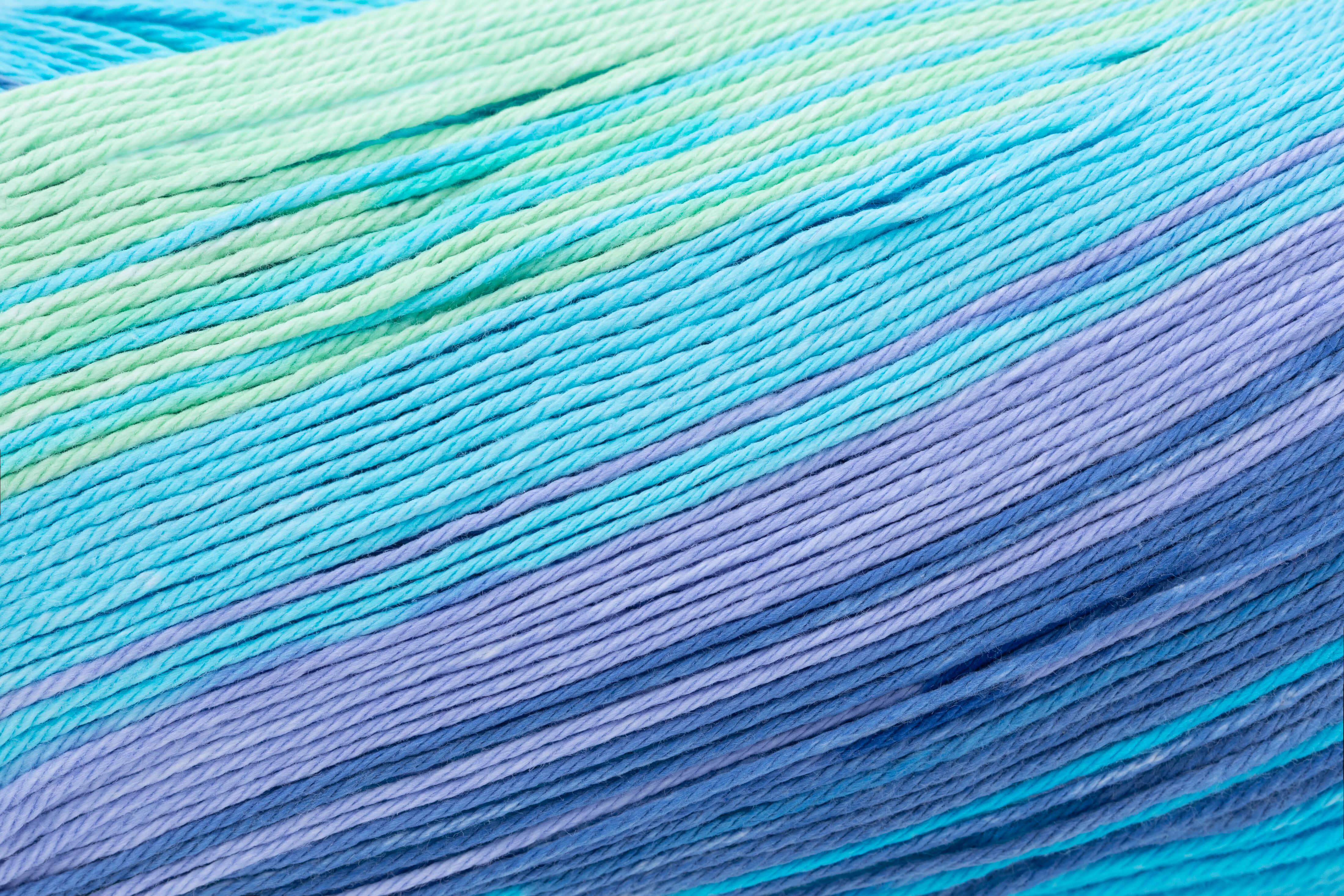hellblau-violett-apfelgrün