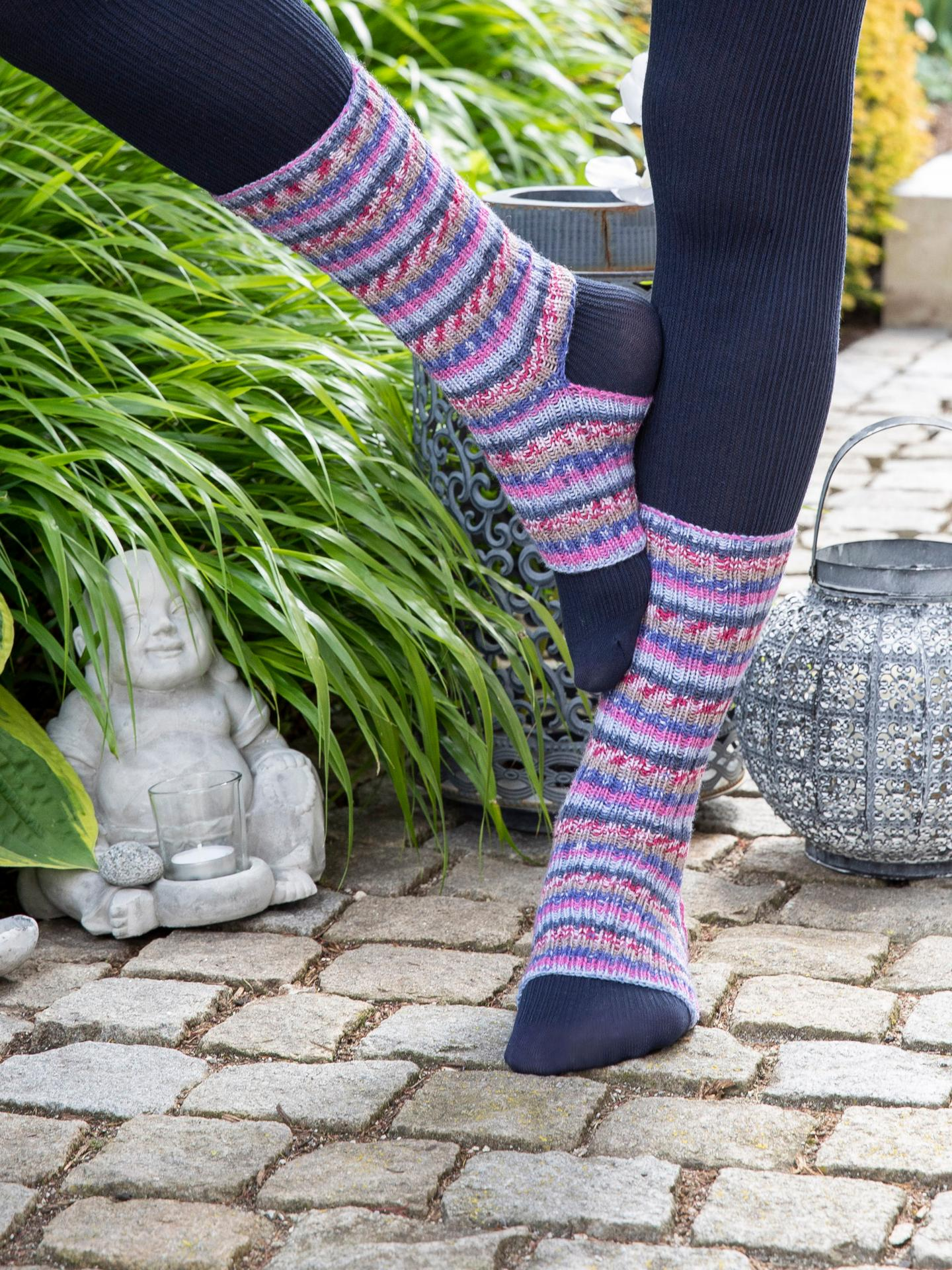Yogasocken mit offener Ferse und Zehen  aus Gründl Hot Socks Rubin